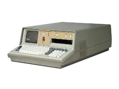 世界第一台筆電是哪一台?那個粗重的外型和超小的記憶體