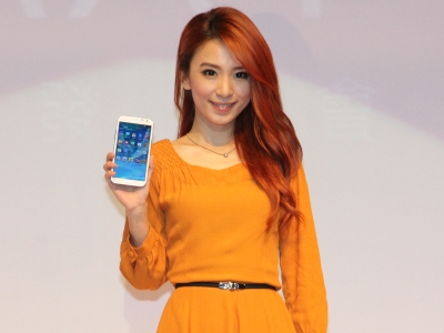 Samsung 在台推出 Galaxy Note 2,售價 22,900 元起、今日開放預購