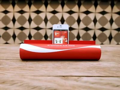 過期雜誌別丟!可口可樂創意廣告把雜誌變成 iPhone 喇叭