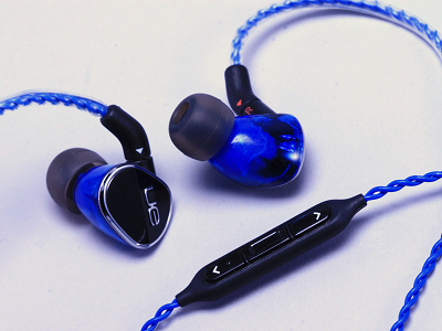 羅技 UE900 耳機評測:配戴感大升級,比 TF10 更暖的聲音風格