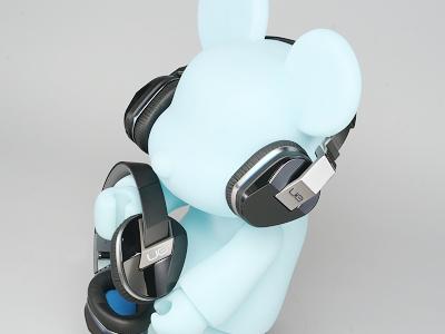 羅技 UE 9000、UE 6000 耳罩式耳機評測:藍牙、主動降噪加持