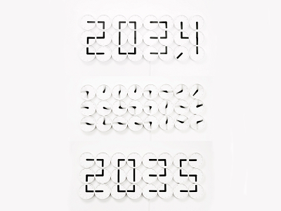 用 24 個時鐘才能顯示的 Clock Clock 時鐘,有點大費周章啊!