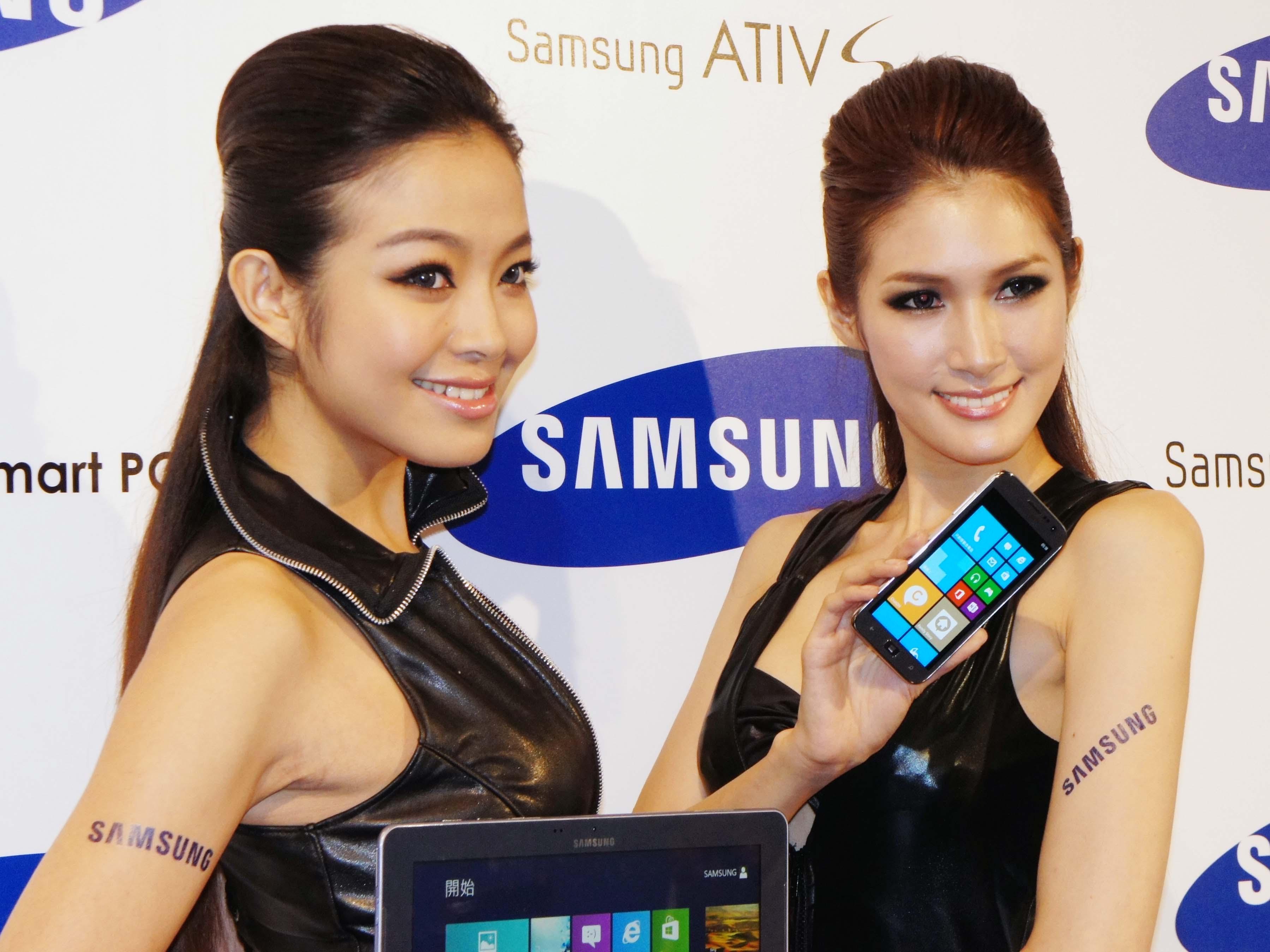 Samsung 首款 Windows Phone 8 手機 ATIV S,一月開賣、售價18,900元