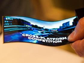 Samsung 展示 YOUM 可彎式軟性面板,放在手機、平板給你看