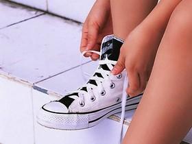 你真的會綁鞋帶嗎?來看影片教你一秒綁鞋帶