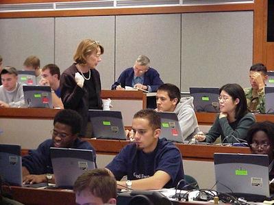 不用出國、置身國際競爭:MIT《電子與電路》線上教學 14週完修心得