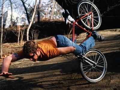 跌倒、墜落也要拍!這些照片讓人心驚膽跳,攝影師你在想什麼?