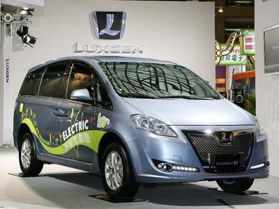 2013台灣電動車展:Luxgen透過 QR Code來解析 MPV EV+電動車