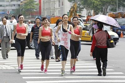 Reebok代言人林依晨跑遍半個台北市 提倡城市輕運動概念