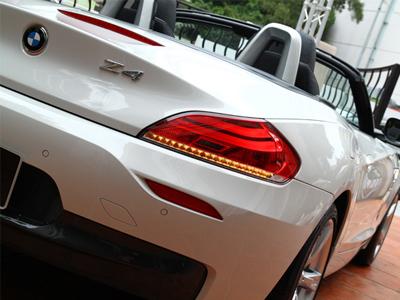 BMW Z4硬頂敞篷跑車正式在台上市
