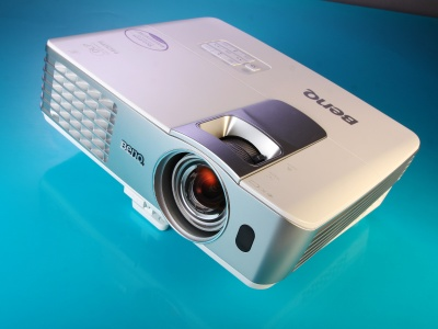 BenQ W1080ST  評測:超短焦3D,震撼大畫面