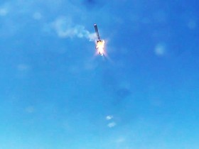 Space X 公司 Grasshopper 火箭完成偏向測試