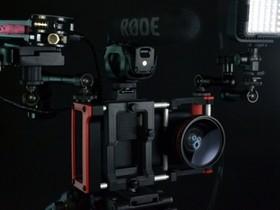 手機相機的怪獸裝甲 Beastgrip,加裝閃光燈、鏡頭配件不成問題