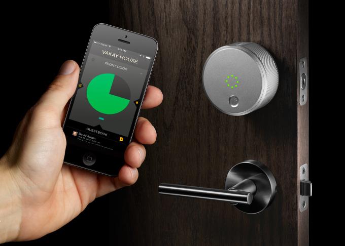 智慧門鎖 August ,透過手機虛擬門鎖就能自動開鎖門