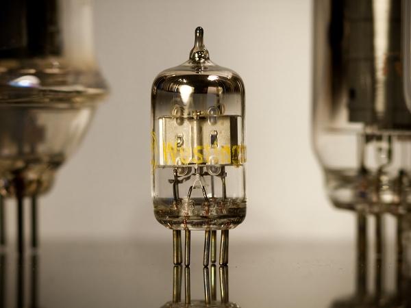科學角度看音響3:真空管與電晶體之爭,談音響主動元件特性   T客邦