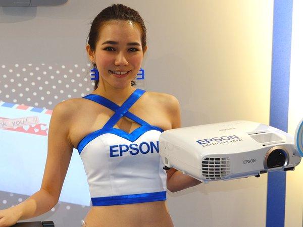 2013 資訊月:Epson 商務、家庭、運動產品齊發,0 元好禮舞台活動熱鬧登場