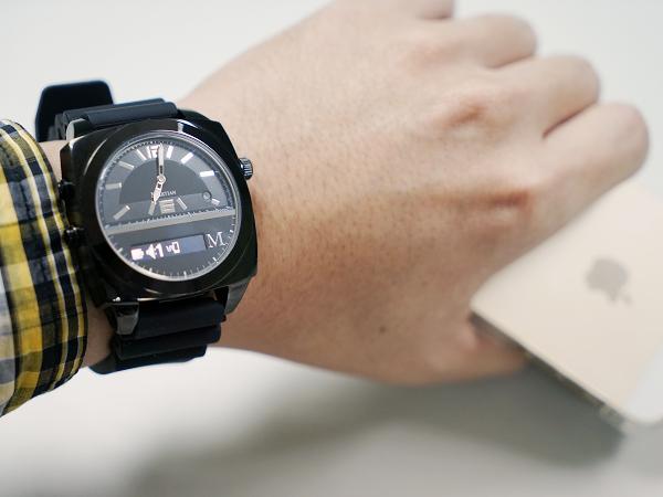 MARTIAN VICTORY MV100 藍牙智慧手錶評測:典雅指針外型,首創聲控通話、Siri 指令錶款