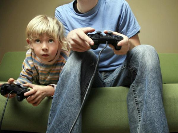 別人叫你不要玩遊戲的 15 個理由,玩家躺著躲著都中槍