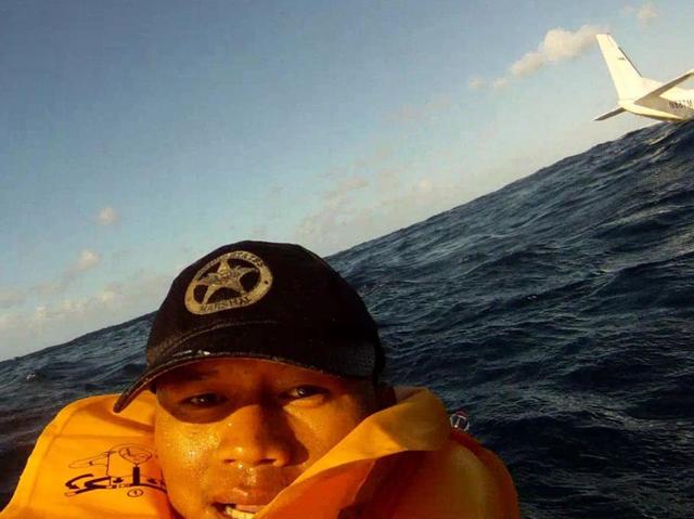 超淡定!夏威夷海上墜機,乘客用 GoPro 攝影機拍下事發經過