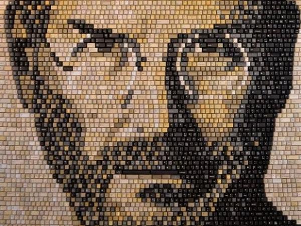 必看!用 6000 個 Keyboard 鍵帽拼成的 Steve Jobs 圖!