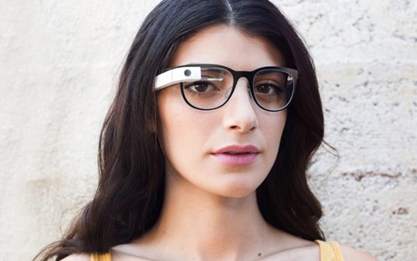 Google Glass,終於加入時尚鈦合金鏡架、處方鏡片功能