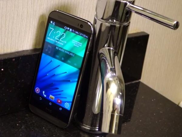 外媒實測 HTC One M8 泡水 90 分鐘安然無恙,HTC 澄清:其實只有 IPX3 防水霧等級