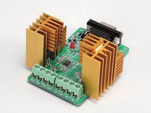 拒絕行動炸彈,14款行動電源輸出電壓實測、內建電池蕊規格詳解