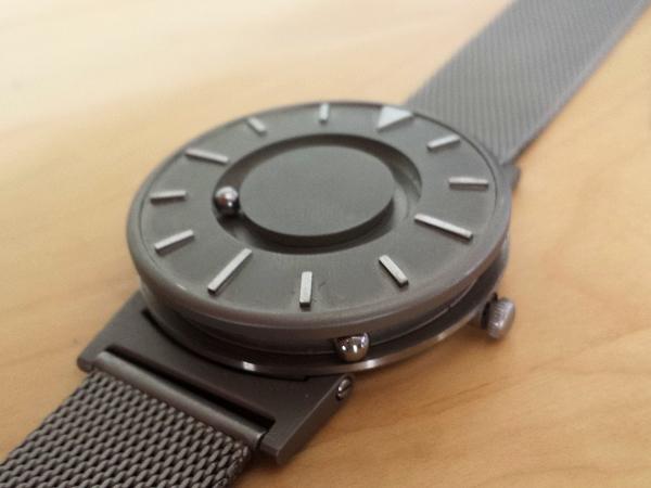 為盲人開發的手錶 The Bradley,結果大部份都是明眼人在買