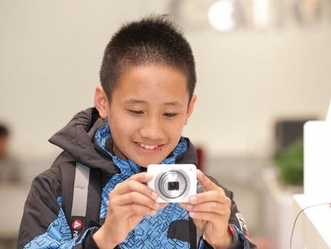 Canon落實影像公益:「孩子的另一扇眼睛—校園攝影深耕課程」 輔導東部偏鄉孩童攝影課程及攝影記錄展!