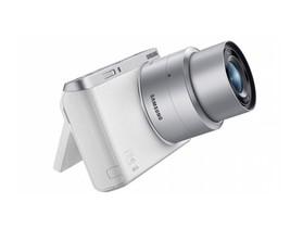 世界超輕薄自拍口袋微單:三星NX mini輕巧襲台!超廣角鏡頭+上掀式3吋觸控螢幕、兩秒眨眼自拍!