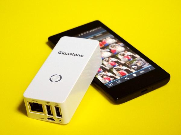 無線、分享、串流、充電,四個願望一次滿足:Gigastone Smart Box A4 無線存儲充電寶
