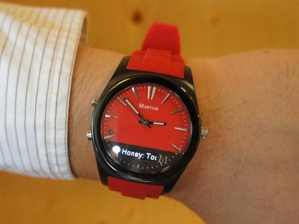 Martian Notifier摩絢智慧型腕錶。品味你的流行科技生活