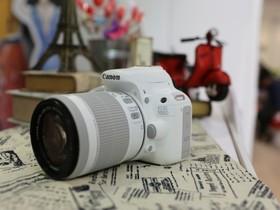 Canon白色時尚來襲!單眼相機純白風,獨領風騷!EOS 100D純白輕量新生活,美型登場,兩萬有找!