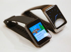 Samsung Gear Live、LG G Watch 動手玩:首款 Android Wear 智慧手錶登場