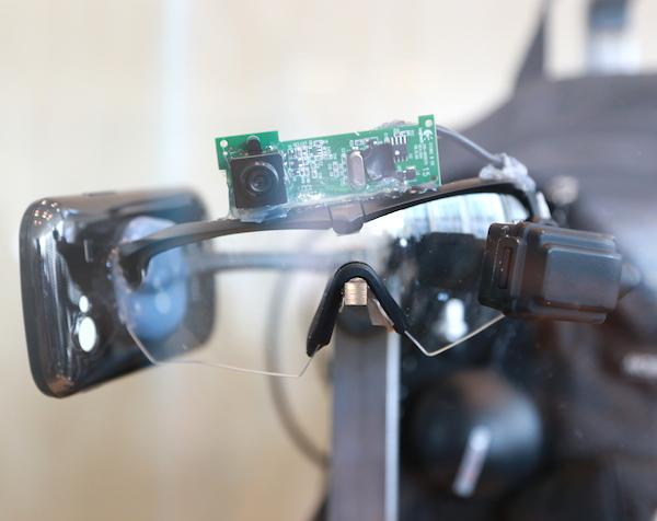 Google I/O 2014:Google Glass 原型機長這樣,穿戴式裝置歷史回顧