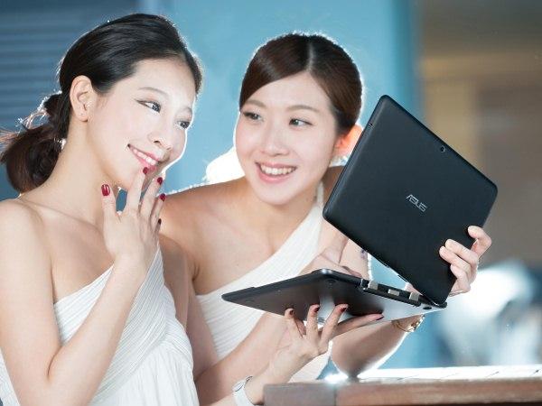 華碩多媒體展推出超人氣ZenFone 4 A450 4.5吋版本、Flip變形筆電首賣 搶攻父親節最佳獻禮