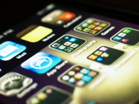Apple App Store 六歲生日!不過殭屍 app 似乎越來越多了
