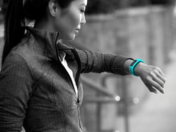 Garmin vivofit 健身手環。職人最愛,動靜皆宜!
