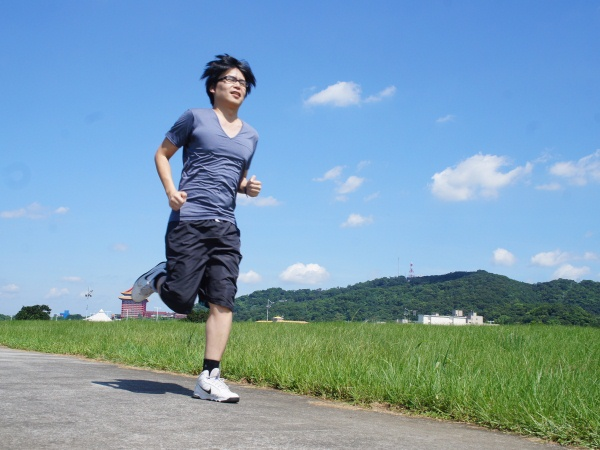 Epson Runsense GPS 運動腕錶!適合所有族群的隨身路跑教練