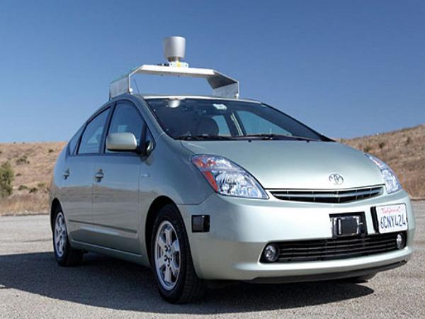 為了製造無人駕駛汽車,Google聘請了那個拯救福特汽車的人