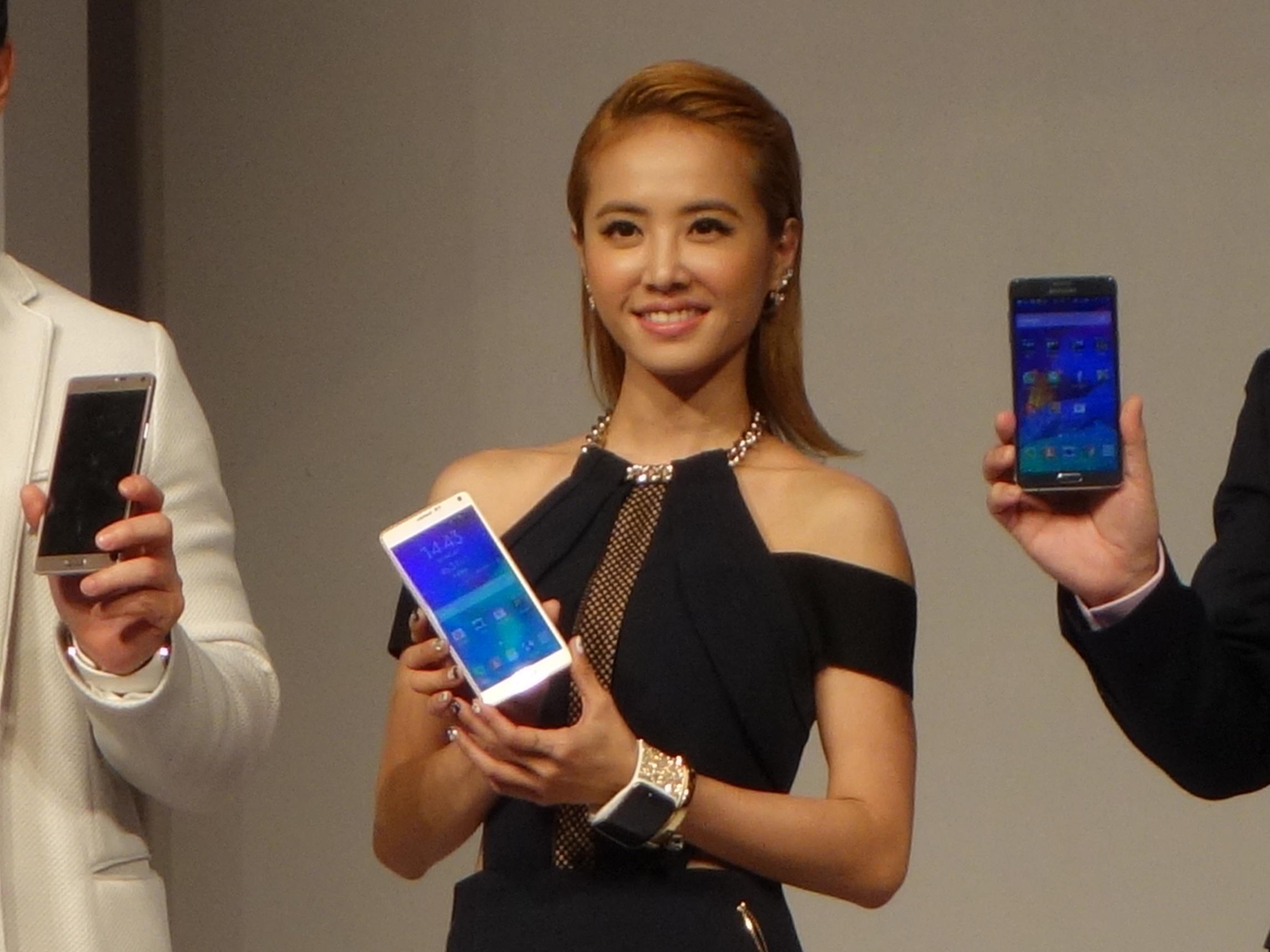 三星 Galaxy Note 4 與 Gear S 智慧手錶價格公布,並推出施華洛世奇水晶背蓋