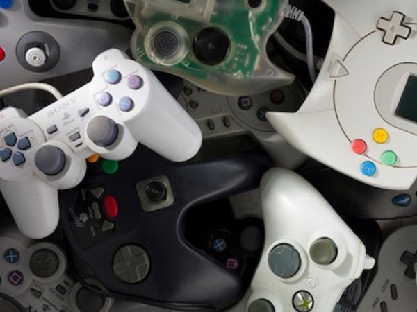 超懷舊,跨世代遊戲控制器