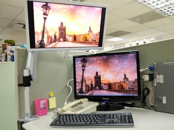 Xergo 彈簧懸臂螢幕架:小桌面也能打造多螢幕環境