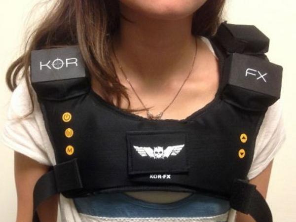 遊戲體感背心KOR-FX,可以感到子彈打在你身上