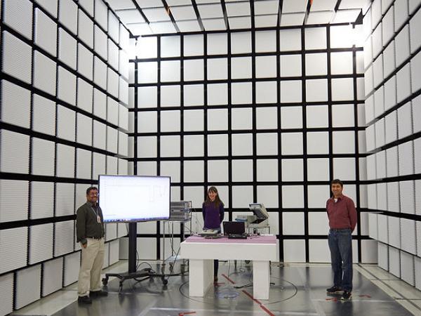 摩托羅拉內部5大實驗室大公開:那些Moto手機都是怎麼做出來的?