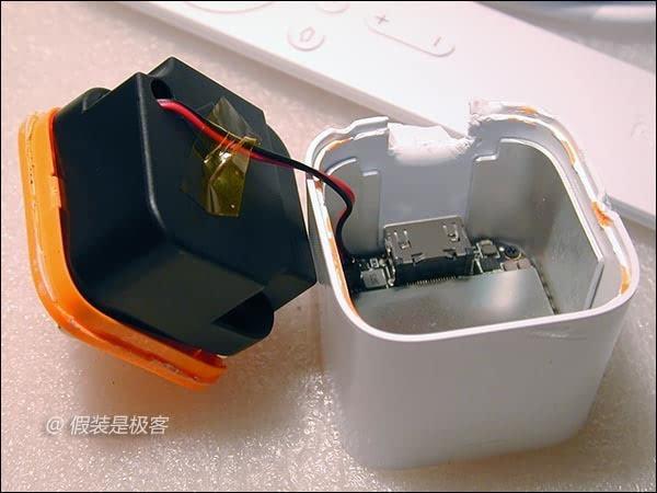 小米小盒子才公開兩天,網友不但實測怎麼用,還立馬將它拆光光給你看