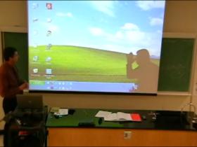 老師太誇張,上課玩很大