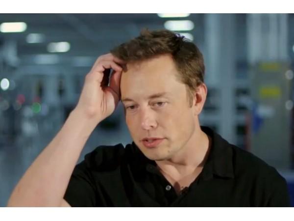 特斯拉去年在中國銷量慘,鋼鐵人Elon Musk懊悔:我被黃牛騙了