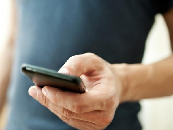 NCC規定行動電話攜碼服務需隔日開通,今天起電信商互挖用戶戰開打!
