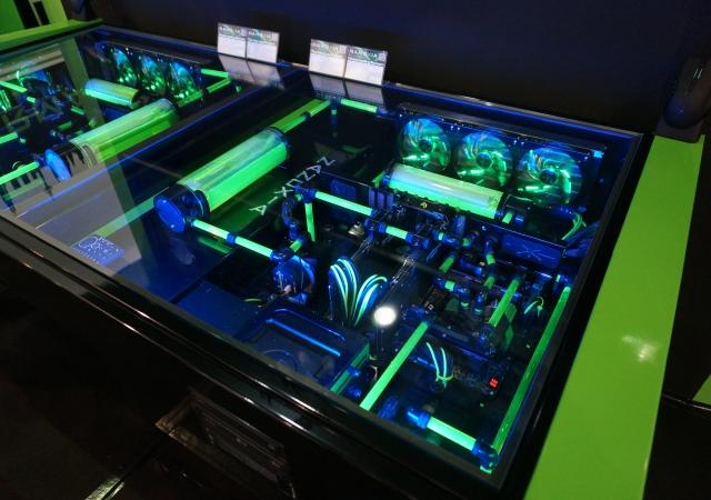 這才叫「桌機」:Nanoxia將機殼與桌子合一,整合超強電腦與水冷系統